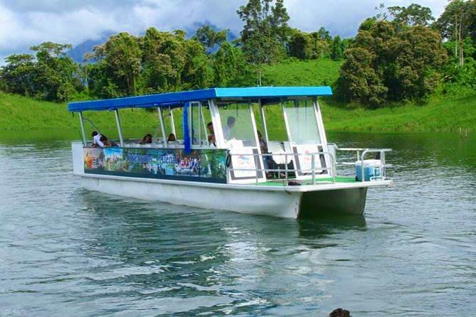 Bus boat bus, arenal lake crossing la Fortuna to Monteverde & Viceversa