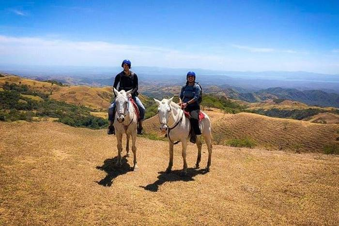 Horseback Riding from La Fortuna arenal to Montevede cloud forest