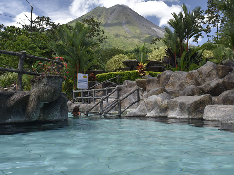 HoT Springs La Fortuna arenal volcano