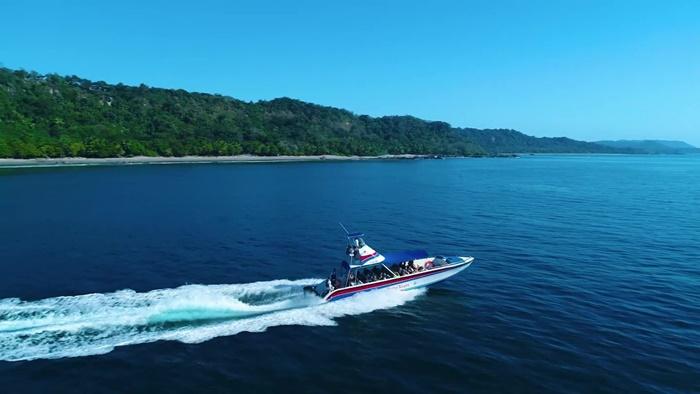 Shuttle boat sierpe to Drake Bay