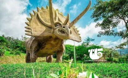 Dino Land Tierra de Dinosauriios bajos de el toro rio agrio